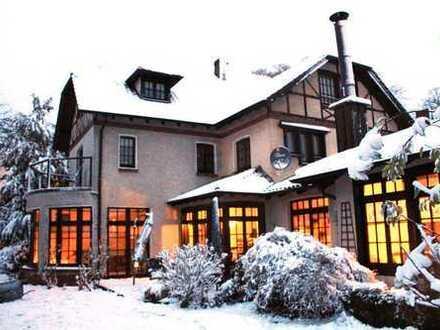 Heiden, außergewöhnliches Wohnhaus mit viel Platz