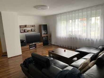 Stilvolle, sanierte 5-Zimmer-Erdgeschosswohnung mit Balkon und EBK in Ostfildern