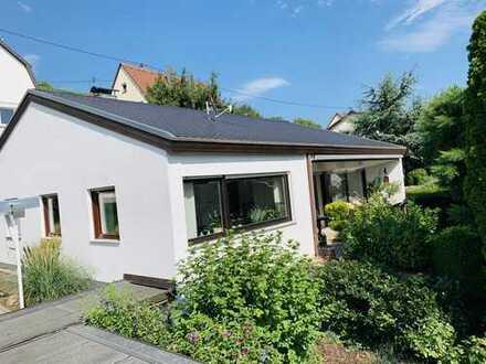 +++EXKLUSIV +++ Schönes Haus mit sechs Zimmern in Remshalden + Sonnenseite
