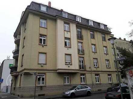 Schöne 4-Zimmer-Wohnung mit Balkon, WG-geeignet