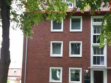 2,5 ZKB Wohnung im Dachgeschoss mit Einbauküche