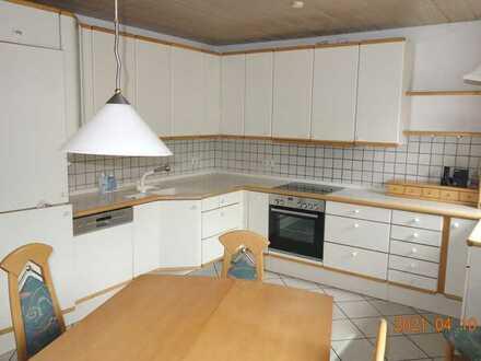 TOP 3 Zi. Wohnung barrierefrei - mit 96 m² zzgl. Terrasse mit 28 m² - leerstehend