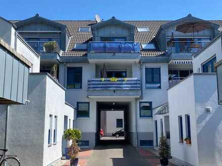 Dünnwald - charmante Dreizimmer-Eigentumswohnung mit Terrasse und Stellplatz