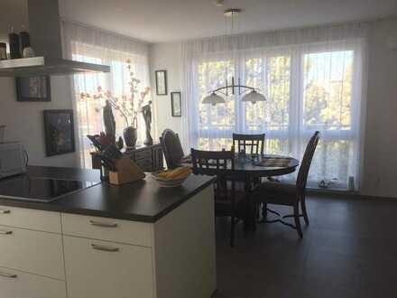 Moderne, großzügig geschnittene 4-Zimmer-Penthouse-Wohnung in Böblingen