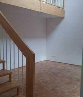 Attraktive Galerie/Atelier-Wohnung mit gehobener Innenausstattung in Dillingen an der Donau