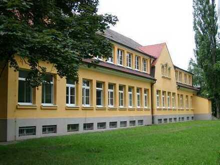 Büro/Praxis im Gewerbepark Heidestraße (ehemals Robotron Radeberg) provisionsfrei zu vermieten