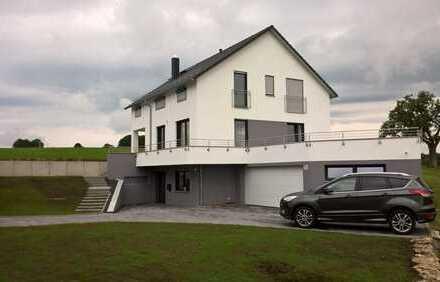 2.500 €, 225 m², 6 Zimmer