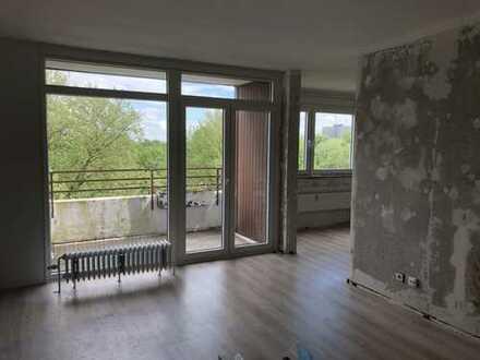 Wunderschöne, teilrenovierte 3-Zimmer Wohnung mit Balkon