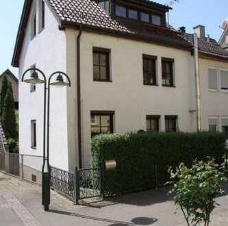Schönes Haus mit fünf Zimmern in Stuttgart, Untertürkheim