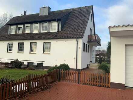 Gepflegte Doppelhaushälfte mit vier Zimmern und Einbauküche in Stemwede, Stemwede