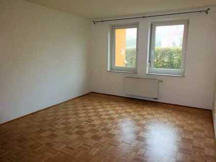 **Großzügige 3-Zimmer-Etagen-Wohnung mit Balkon und Tiefgaragenstellplatz**