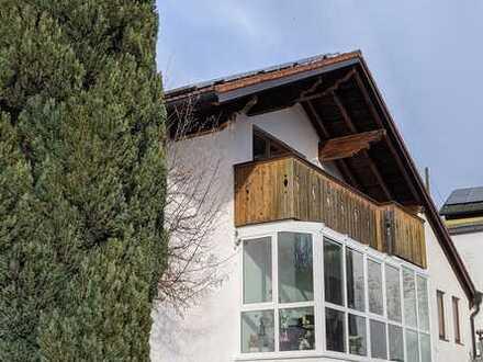 ++ Hell, modern und ohne Trubel: 3-Zimmer Dachwohnung in Steinhöring-Abersdorf ++