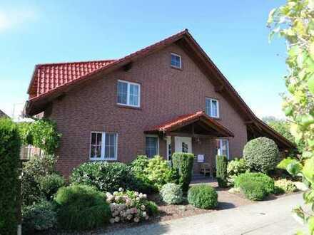 von PRIVAT, keine Courtage, Platzbedarf? Geräumiges Haus mit sieben Zimmern in Sassenburg/ Triangel