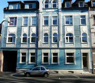 Renovierte Dachgeschosswohnung - KEINE KAUTION!