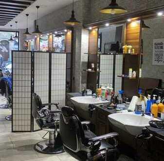 Neu eingerichteter Friseur-Salon in guter Lage