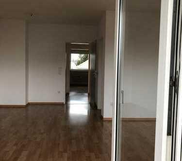 Helle, gepflegte 3-Zimmer-Maisonette-Wohnung mit Süd-Balkon im Süden von Seligenstadt