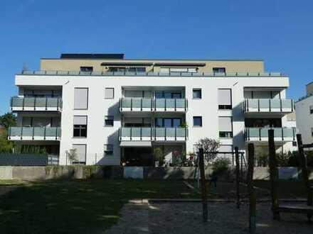 Sehr schöne, geräumige zwei Zimmer Wohnung in Offenbach-Bieber