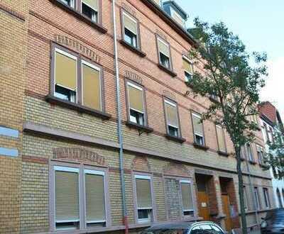 Attraktive Kapitalanlage: 7-Parteienhaus mit Innenhof und 3 Garagen in guter Lage von Mannheim