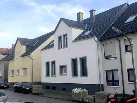 Zentral gelegene 5-Zi-Wohnung mit Garten und Terrasse in saniertem Altbau