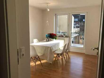 Helle, neu renovierte 3-Zimmer-Wohnung mit Balkon und Einbauküche in der Innenstadt von Jülich