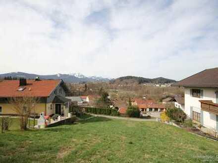 Großzügiges Grundstück mit Bergblick in Siegsdorf.
