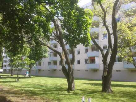 city-nahe Wohlfühlwohnung mit Weitblick- Erstbezug nach Renovierung