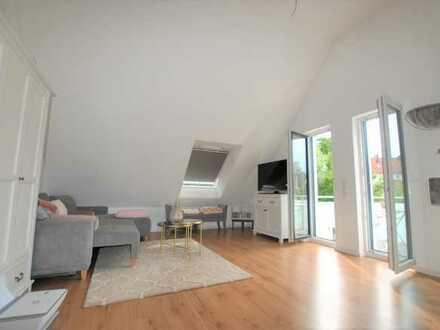 E & Co. - Moderne 2-Zimmer Dachgeschosswohnung mit Balkon am Moniberg.