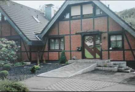 Provisionsfrei / Schönes Haus mit vier Zimmern in Rheinisch-Bergischer Kreis, Burscheid