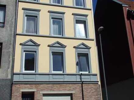 Helle 2-Zimmer-Wohnung ab sofort zu vermieten