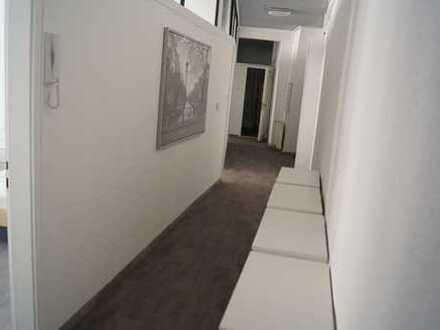 ***frisch saniert*** Top ausgestattete Wohnung für WG-Vermietung