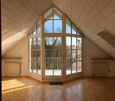 Großzügige 4-Zimmer-DG-Wohnung mit Balkon und Einbauküche in Neusäß - Ottmarshausen