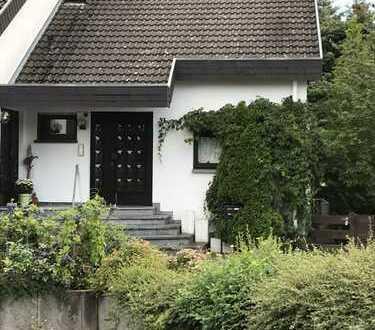 Gepflegte Doppelhaushälfte in Seligenstadt: 4-Zimmer + 1-Büro / Praxisraum