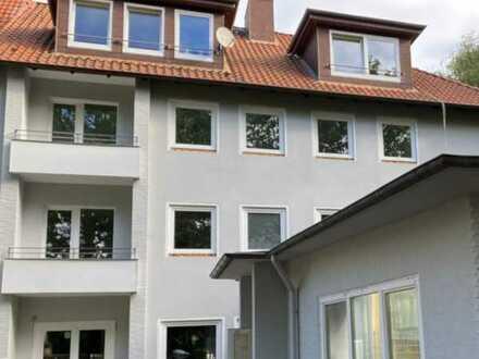 Freie, frisch sanierte 3-Zimmer Wohnung mit großem Südbalkon