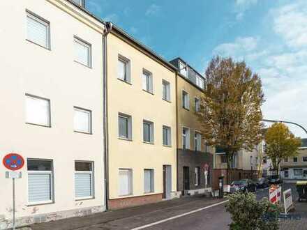 Achtung Anleger! 40 qm 2-Zimmerwohnung in 4- Parteien - Haus in Köln! Vermietet.