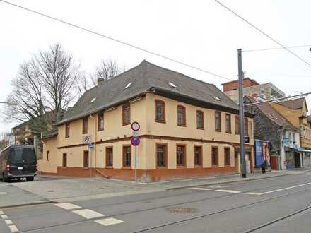 Baugrundstück mit denkmalgeschütztem Bestandshaus!