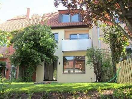 Denkendorf: *Reihenmittelhaus* als Wohn- und/oder Geschäftshaus von Privat