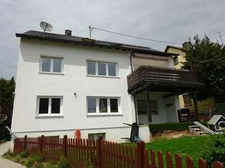 Böblingen-Waldburg: 4 Zimmer - Mietwohnung mit großem Sonnenbalkon