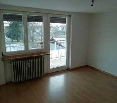 Gepflegte 6-Zimmer-Wohnung mit Balkon und EBK in Birkendorf
