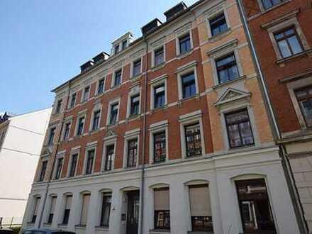 Zuverlässig vermietete Dachgeschosswohnung in Schloßchemnitz!