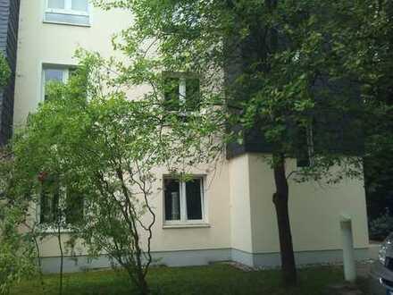 Wohnen im Grünen! Doppelhaushälfte mit Wintergarten & Gartenanteil in der Bad Lausick!