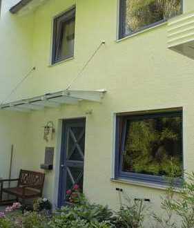 Schönes, geräumiges Haus mit fünf Zimmern im Hochtaunuskreis, Friedrichsdorf/ Burgholzhausen