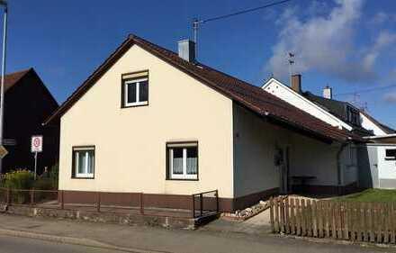 Wohnhaus auf kleinem Eckgrundstück in Beffendorf