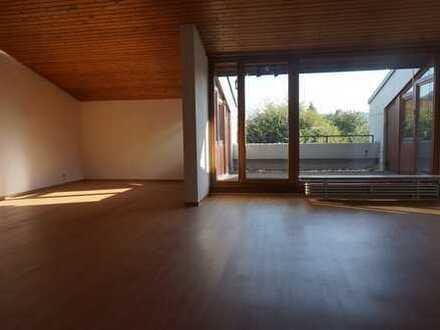 Sonnige und ruhige 3,5 Zimmer Wohnung in Dettingen u.Teck mit herrlichem Blick