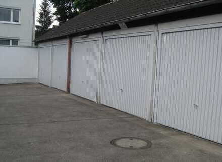 Wir vermieten in Pfersee in der Stadtberger Straße eine Einzelgarage !