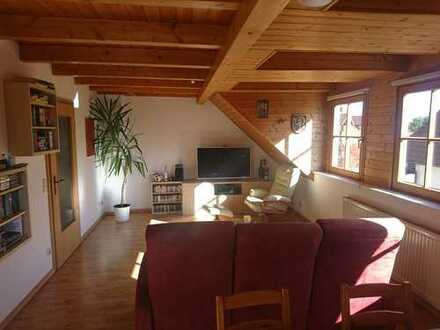 Schöne Dachgeschoss-Galerie-Wohnung vom Eigentümer bewohnt.