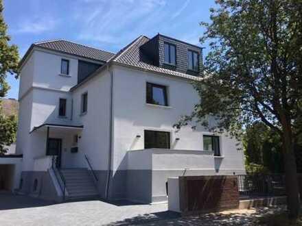 Luxusetage in sanierter Villa - nur noch 1 Wohnung frei