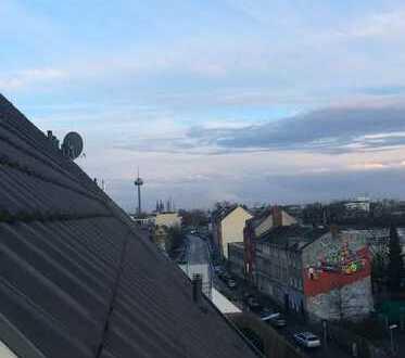 Schöne 3-Zimmer-Maisonette-Wohnung mit EBK und Balkon im beliebten Ehrenfeld, Köln