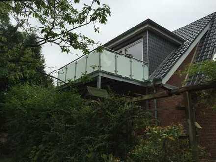 Neuwertige 3-Zimmer-Dachgeschosswohnung mit Balkon und Einbauküche in Eckernförde