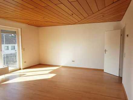 Sonnendurchflutete 4-Zimmer-Wohnung mit Balkon in Worms-Herrnsheim