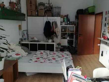 Helles WG-Zimmer mit 4m hohen Decken in bester Lage Mannheims zu vermieten!